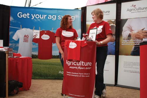 Voices rise in support of Canadian agriculture - Top Crop Manager